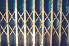 Portas oxidadas velhas do ferro Imagens de Stock Royalty Free