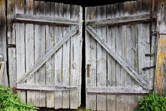 Portas quebrado velhas, imagem preto e branco Fotografia de Stock Royalty Free