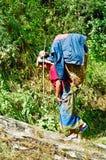 Portatore della donna, Nepal Immagine Stock Libera da Diritti