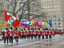 Portatori di bandiera di Toronto Santa Claus Parade 2016 Fotografia Stock