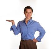 Portavoz de sexo femenino con la palma vuelta hacia arriba Imagen de archivo libre de regalías