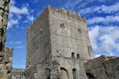 PORTCHESTER, HAMPSHIRE, ENGELAND, 30 BRENG 2015 IN DE WAR: Het Portchesterkasteel is een middeleeuws die kasteel binnen een vroeg royalty-vrije stock foto's