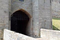 Portcullis на замке Warwick, Великобритании стоковая фотография