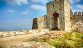 Porte à la forteresse de Kaliakra en Bulgarie image stock