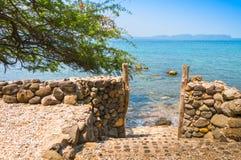 Porte à la plage dans Batangas Philippines Photos libres de droits