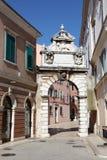 Porte à la vieille ville de Rovinj Photographie stock libre de droits
