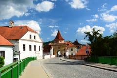 Porte à la ville historique ?eský Krumlov République Tchèque Images libres de droits