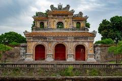 Porte à la ville impériale, Hue photos stock