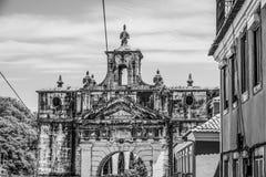 Porte antique à la rue d'Amoreiras à Lisbonne - à LISBONNE/au PORTUGAL - 14 juin 2017 Photographie stock libre de droits