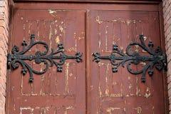 Porte antique dans la cathédrale Photographie stock libre de droits