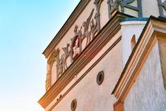 Porte antique de détail d'aube dans la vieille ville Vilnius Lithuanie image libre de droits