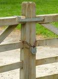 Porte avec le cadenas Image libre de droits