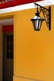 Porte avec une lanterne Photo libre de droits