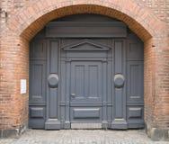 Porte bleue Images stock