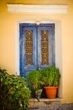 Porte blu ornamentali, Samos, Grecia Fotografie Stock