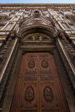 Porte chez Florence Cathedral Image stock