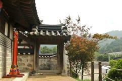 Porte coréenne de palais image stock