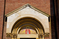 porte d'église en or de l'Italie Lombardie Image libre de droits