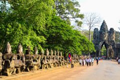 Porte d'Angkor Vat de royaume de Siem Reap Cambodge de bayon d'Angkor Thom de merveille Photos stock