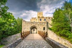 Porte d'entrée à la ville voisine de Strecno Zilina de château médiéval photographie stock libre de droits