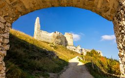 Porte d'entrée au château de Cachtice images stock