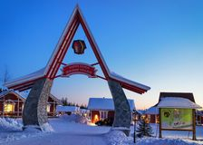 Porte d'entrée en Santa Claus Holiday Village Houses Lapland photos libres de droits