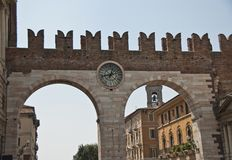 Porte d'horloge, Vérone, Italie Photos libres de droits