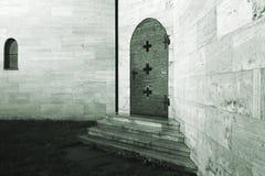 Porte d'un couvent photographie stock