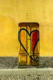 Porte dans les vieilles rues de Milan Photographie stock libre de droits