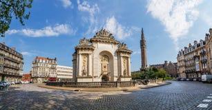 Porte de巴黎在里尔法国 库存照片