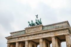 Porte de Brandebourg à Berlin, en Allemagne ou en république Fédérale d'Allemagne Monument architectural au centre historique de  Photo libre de droits