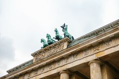 Porte de Brandebourg à Berlin, en Allemagne ou en république Fédérale d'Allemagne Monument architectural au centre historique de  Images stock
