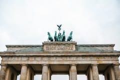 Porte de Brandebourg à Berlin, en Allemagne ou en république Fédérale d'Allemagne Monument architectural au centre historique de  Image stock