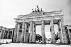 Porte de Brandebourg au jour ensoleillé à Berlin l'allemagne Photographie stock libre de droits