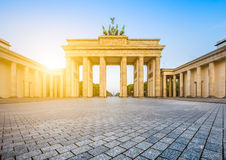 Porte de Brandebourg au lever de soleil, Berlin, Allemagne Photos stock