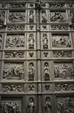 Porte de cathédrale de St Isaac photographie stock libre de droits