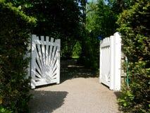 Porte de jardin blanche Photo libre de droits