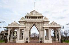 Porte de marbre des BAPS Shri Swaminarayan Mandir de temple hindou à Houston, TX images libres de droits