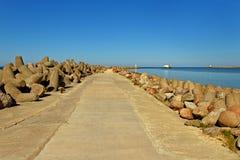 Porte de mer dans Venspils Images libres de droits