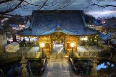 porte de NIO-lundi chez Narita-san Shinsho-ji, Japon Images libres de droits