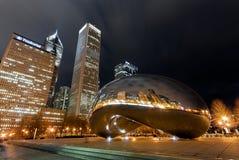 Porte de nuage la nuit, Chicago Photos stock