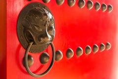 Porte de poignée de style chinois image libre de droits