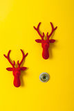 Porte de renne de Noël décorée du velours photos libres de droits