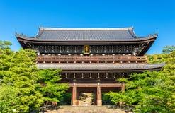 Porte de Sanmon de Chion-dans temple à Kyoto photographie stock libre de droits