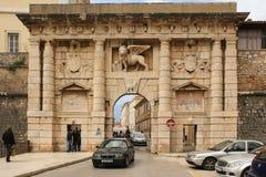 Porte de ville à la vieille ville Zadar Croatie Image stock