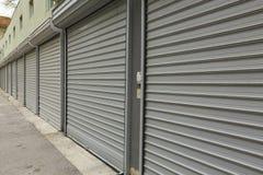 Porte del garage fotografie stock libere da diritti