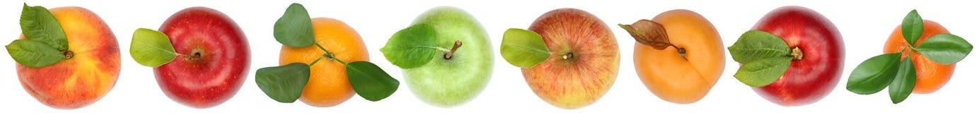 Porte des fruits la vue supérieure de l'orange ci-dessus de pomme d'isolement sur le blanc dans un r Photographie stock