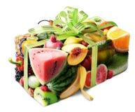 porte des fruits le cadeau Image stock