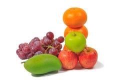 Porte des fruits le fond blanc Photo stock