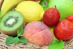 Porte des fruits le plan rapproché Photo stock